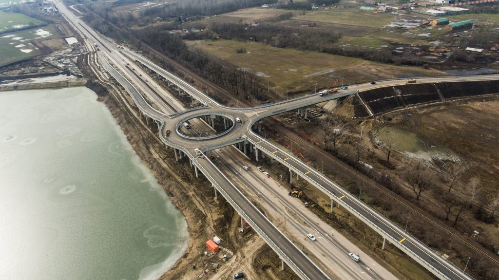 Átadták a forgalomnak a 47-es út hódmezõvásárhelyi elkerülõ szakaszát