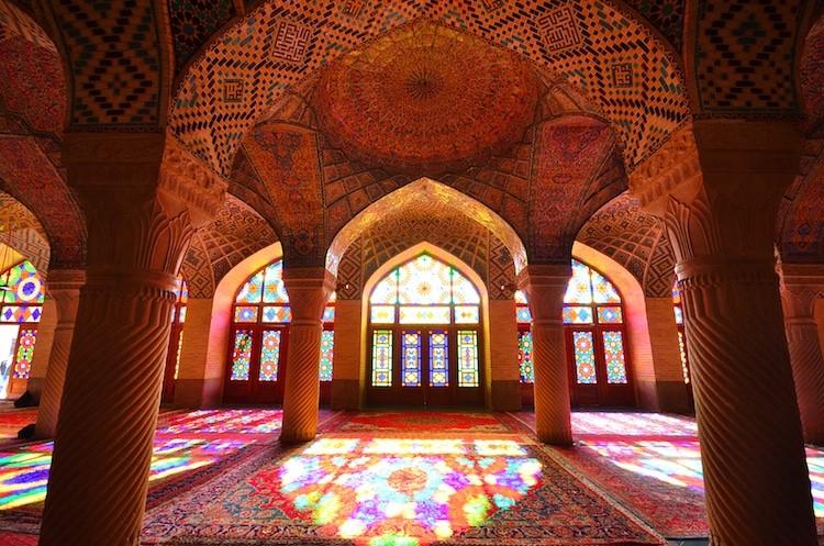 Nasir Al-Mulk mecset üvegablakai
