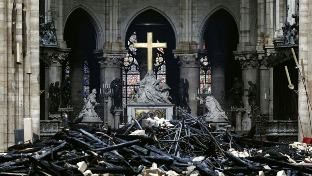 Törmelékek - Notre-Dame