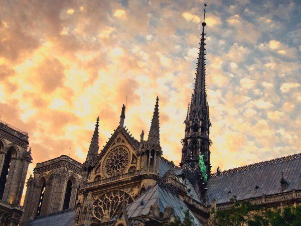 A huszártorony a Notre-Dame tetején