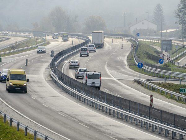 Átadták a 21-es főút új kétsávos szakaszait