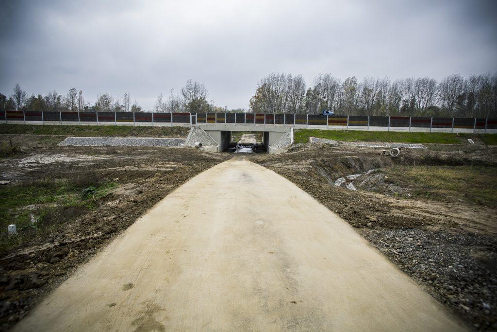 Elkészült az M70-es autóút mentén az új árvízvédelmi rendszer