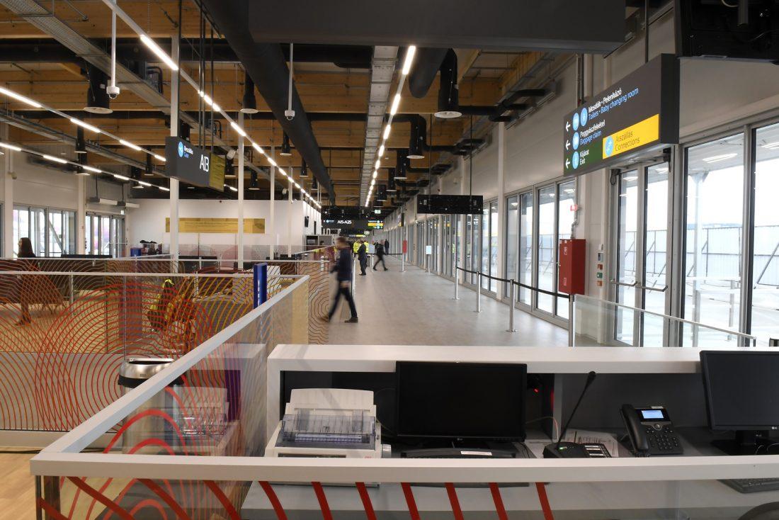 Megnyitották a Liszt Ferenc repülőtér új utasmólóját