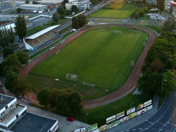 Új atlétikai centrum épül a szegedi SZVSE-pályán