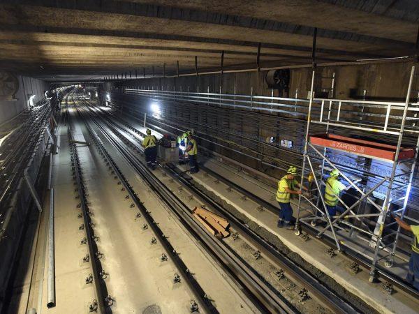Folynak a bontási munkálatok a 3-as metróvonal középső szakaszán