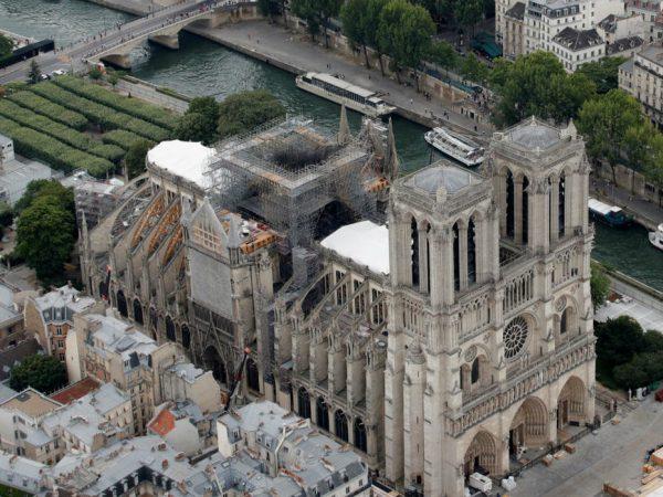 Újraindulnak a munkálatok a Notre-Dame székesegyházban