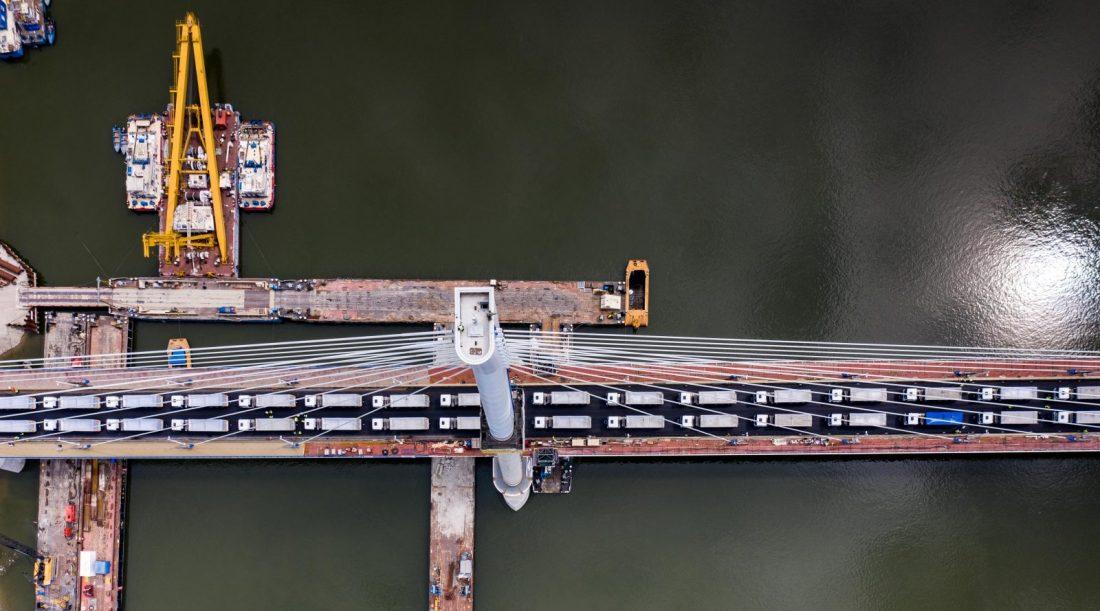 Elvégezték az új komáromi Duna-híd próbaterhelését