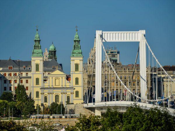 Kilátók a Budapest-Belvárosi főplébánia-templom tornyaiban