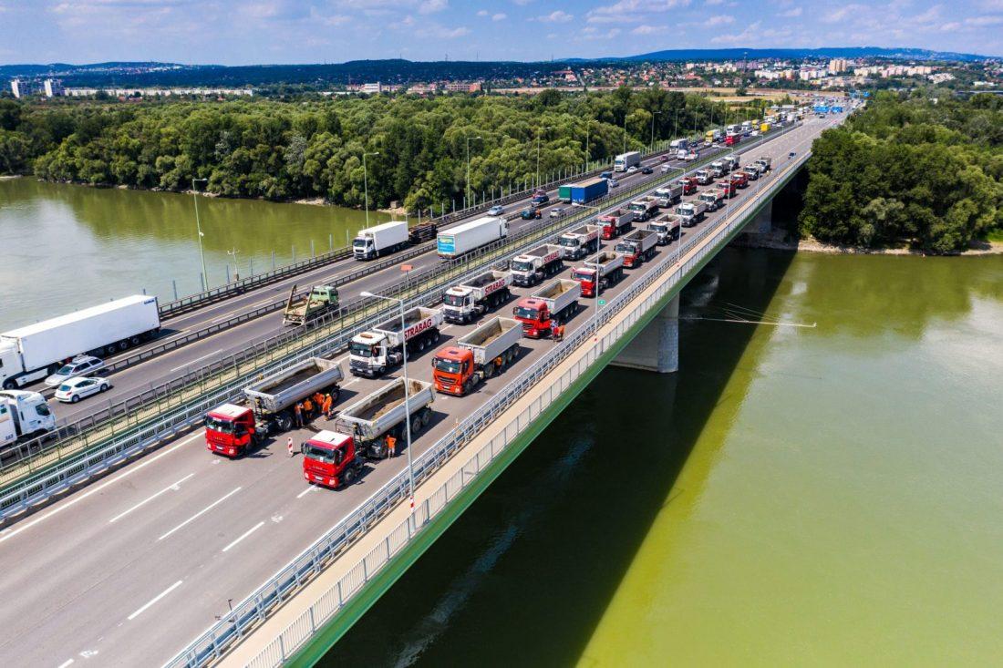 Elvégezték a Deák Ferenc híd próbaterhelését