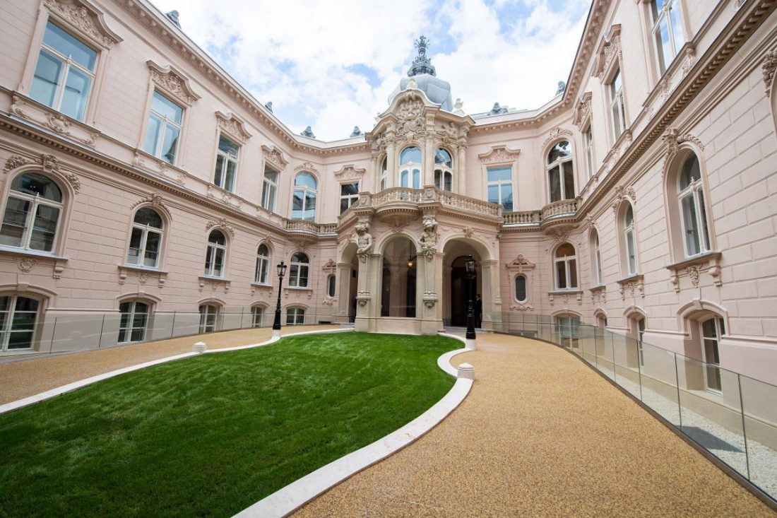 Megújult a Károlyi-Csekonics-palota