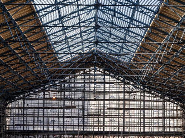 Megújult a Nyugati pályaudvar csarnokának tetőszerkezete. Forrás: MTI/MÁV