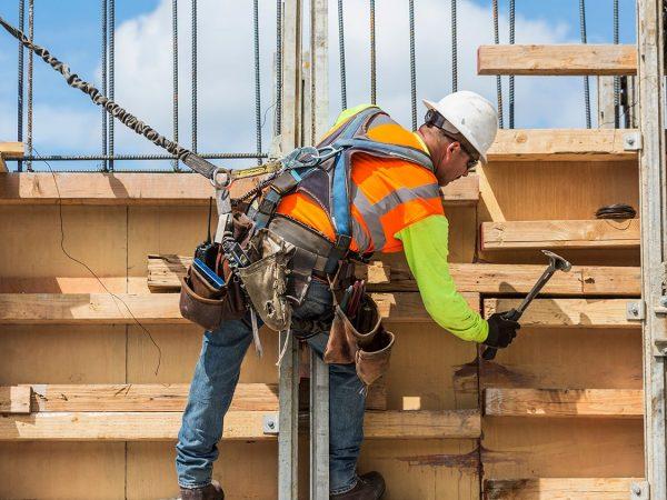 Idén emelkedhet a minimális építőipari rezsióradíj
