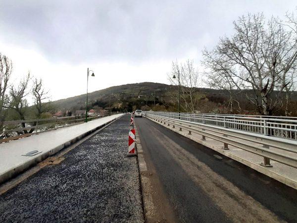 Haladnak az Erzsébet királyné Tisza-híd munkálatai
