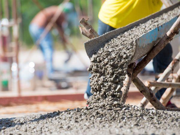 Vizsgálódik a GVH az építőipari alapanyag-drágulás miatt